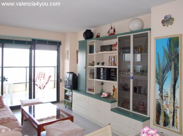Venta en valencia cullera apartamento torre en primera l nea con vista al mar y piscina en - Venta apartamentos en cullera ...
