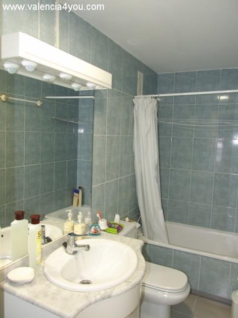 Venta en valencia cullera apartamento torre en primera for Apartamentos con piscina en valencia