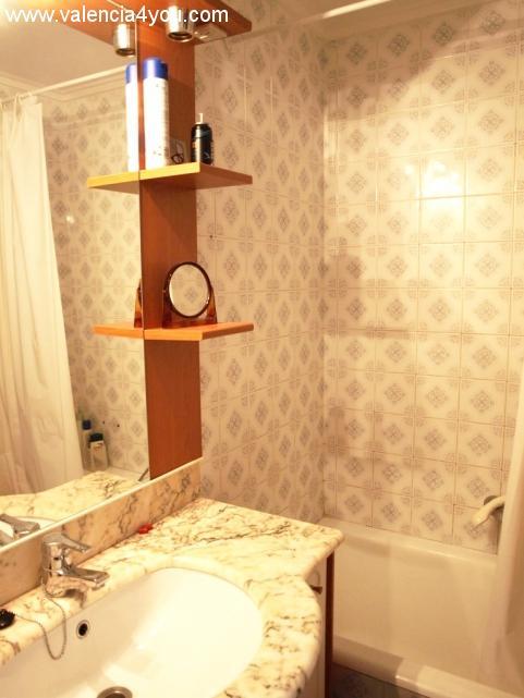 Alquiler en valencia cullera apartamento amueblado con for Apartamentos con piscina en valencia