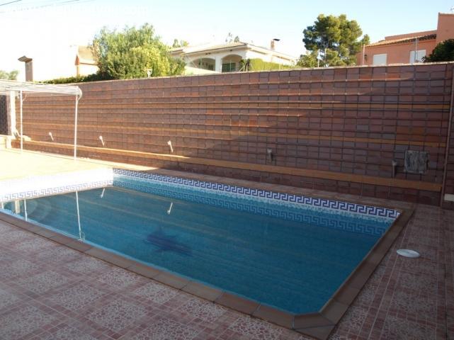 Venta en valencia chiva sierra perenchiza casa de for Construccion piscinas valencia