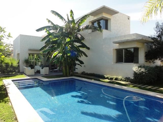 Venta en valencia b tera exclusiva casa de dise o con for Apartamentos con piscina en valencia