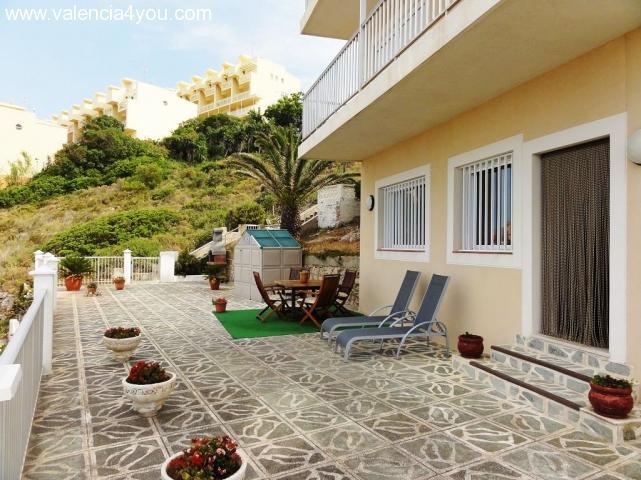 Alquiler en valencia alquiler largo plazo for Alquiler piso terraza valencia